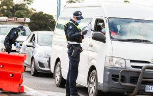 'Huge delays' with traffic queued back 13 kilometres as Victorians race to enter regional areas