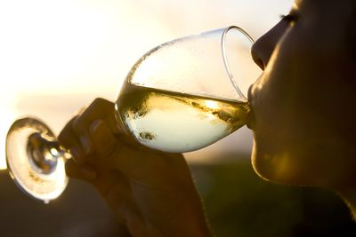 White wine makes you feel… relaxed