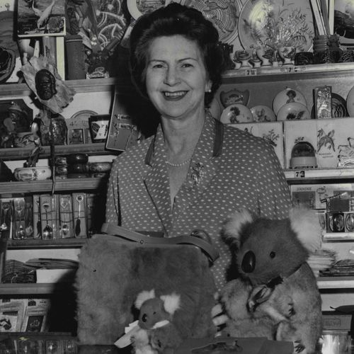 Mrs Yvonne Rentoul owned and ran a souvenir shop in the south-east pylon for 21 years. Sydney Harbour Bridge cats