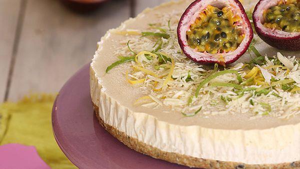 Passionfruit, white chocolate and cashew cheese-fake