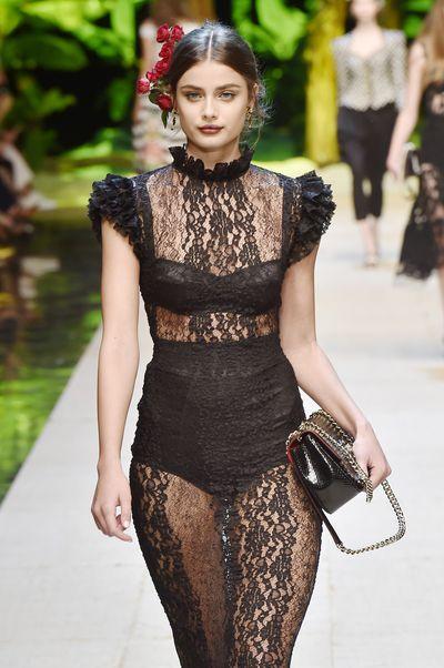 Taylor Hill for Dolce & Gabbana, spring/summer '17, Milan Fashion Week