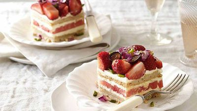 <strong>Strawberry and watermelon cake</strong>