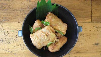 "<a href=""http://kitchen.nine.com.au/2017/05/16/11/49/bis-keemiya-samosa"" target=""_top"">Bis keemiya Maldivian samosa</a><br /> <br /> <a href=""http://kitchen.nine.com.au/2017/05/16/13/06/maldivian-food-the-best-dishes-youve-never-heard-of"" target=""_top"">RELATED: Maldivian food - the five dishes you need to know</a>"
