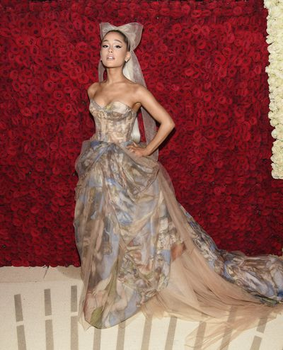 Ariana Grande inVera Wang at the 2018 Met Gala<em>Heavenly Bodies: Fashion and the Catholic Imagination</em>in New York City