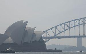Sydney smoke warning as bushfires escalate