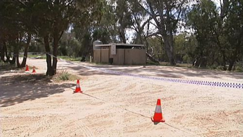 Man's body found in toilet block in north west Victoria following anonymous tip-off