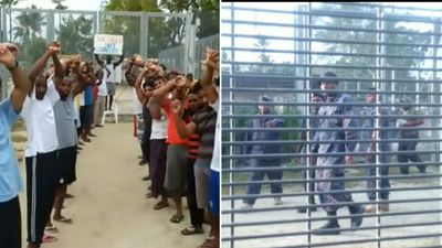 PNG police removing Manus Island men