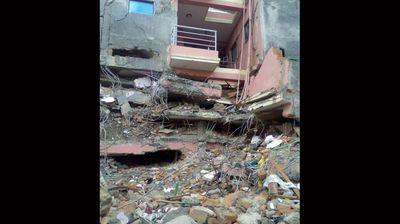 A ruined building in Kathmandu. (Twitter: JawKnock)