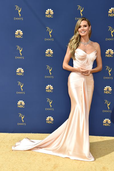 Heidi Klum wearing Zac Posen Resort 2019 at the 70th Annual Emmy Awards