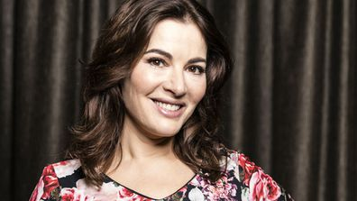 Nigella Lawson talks about chocolate on Twitter.