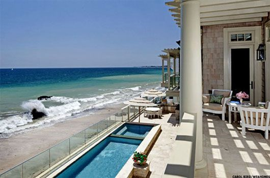 The Malibu home is expected to fetch more than $21 million.