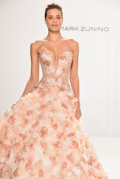 <p>Bridal bouquet</p> <p>Mark Zunino for Kleinfeld, Spring 2017, New York Bridal Fashion Week with Disney Weddings</p>