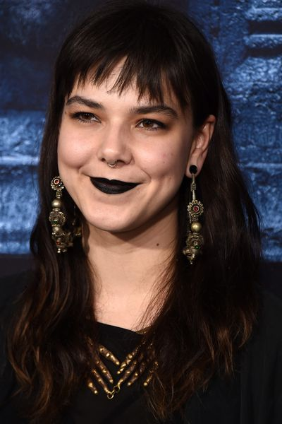Singer Nanna Bryndis Hilmarsdottir of the band Of Monsters and Men opted for a gothic dark lip.