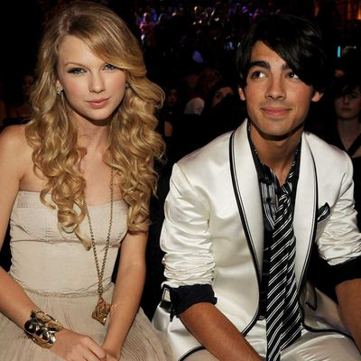 Taylor Swift and Joe Jonas (July 2008 - October 2008)