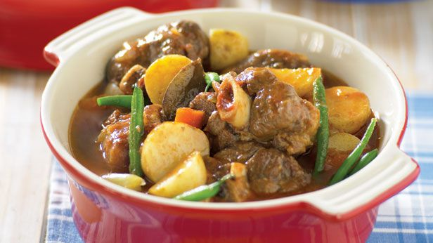 Lamb shank potato and bean pot