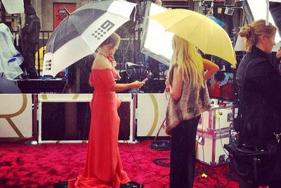@theacademy: It's drizzling just a tad, but Lisa Wilkinson is prepared!