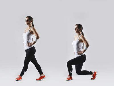 <strong>Lunges (30 seconds)</strong>