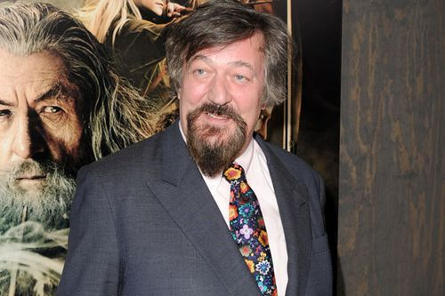 Stephen Fry has signed the petition for men convicted of indecency to be pardonned.