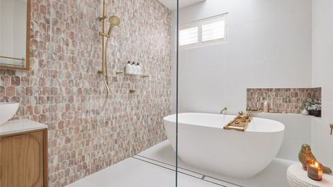 Block 2021 Mitch and Mark Bathroom