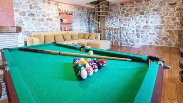 pool-table-croatia aribnb
