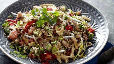 """Recipe:<a href=""""http://kitchen.nine.com.au/2016/05/20/11/08/cauliflower-fried-rice"""" target=""""_top"""">Cauliflower fried rice</a>"""