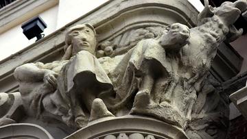 Botched Palencia Spain statue