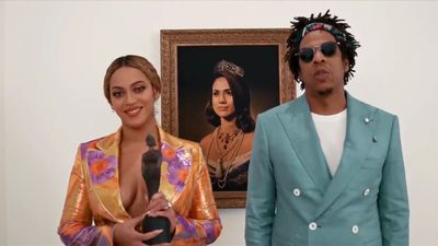 BRIT Awards 2019: Beyoncé and Jay-Z accept BRIT Award in front of Meghan Markle portrait
