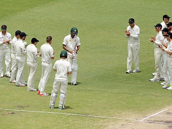 Johnson given guard of honour by NZ
