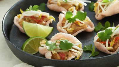 "<a href=""http://kitchen.nine.com.au/2017/01/17/07/33/prawn-cracker-cups"" target=""_top"">Prawn cracker cups</a><br> <a href=""http://kitchen.nine.com.au/2017/01/17/10/34/fifteen-minute-no-cook-recipes-for-hot-days"" target=""_top""><br> More 15-minute no-cook recipes</a><br>"