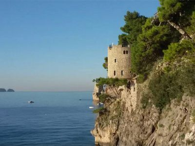 "<a href=""https://www.airbnb.com.au/rooms/8228169"" target=""_blank"">Coastal castle in Positano</a>"