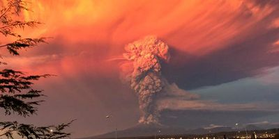 Stunning images of the eruption have gone viral. (Twitter - @elrafaarenas)