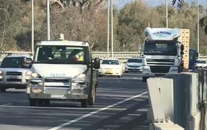 Victoria-NSW border closure: No police in sight despite Greater Melbourne locked out
