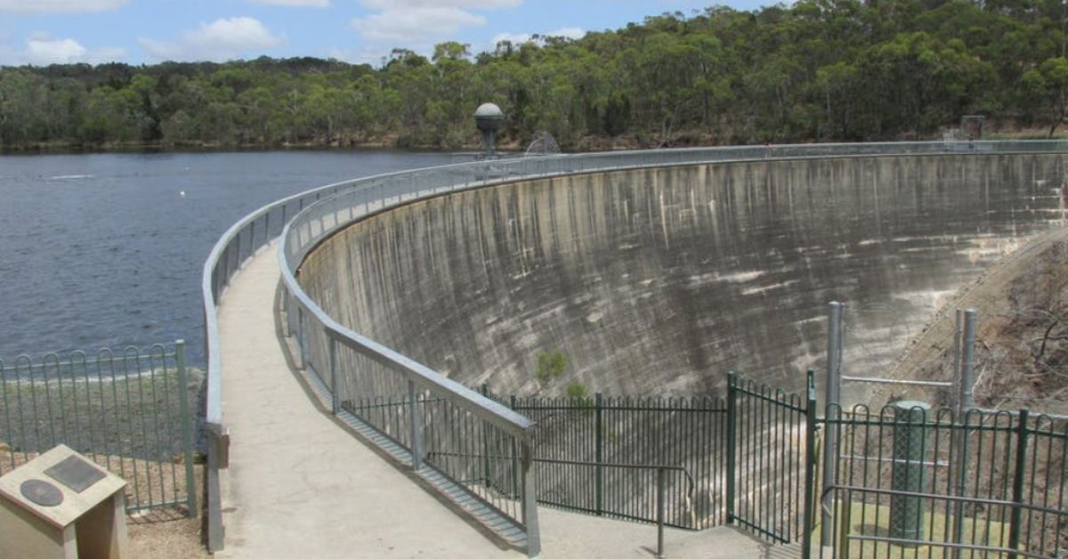 Man and baby girl die after fall from 36m-high 'Whispering Wall' in South Australia – 9News