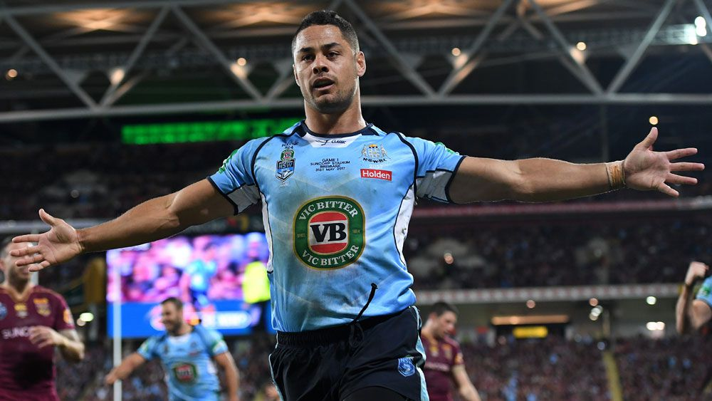 Jarryd Hayne takes up one-year option to stay put at Gold Coast