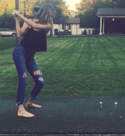 Victoria's Secret model shows off golf skills - Nine Wide ...