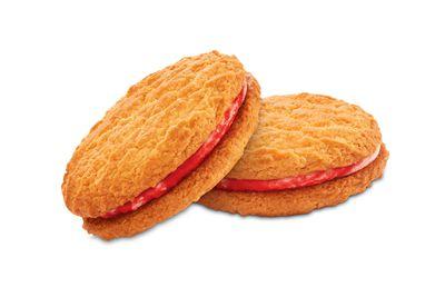 Arnott's Monte Carlo cream biscuit: 2 teaspoons of sugar