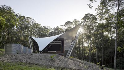 <strong>Tent House(Qld) –SparksArchitects</strong>