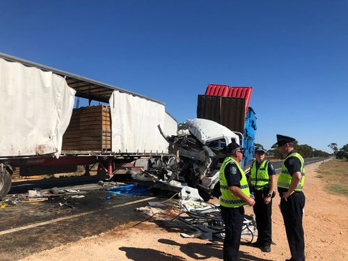 The B-Double driver tried desperately to alert the oncoming truck driver. (9NEWS)