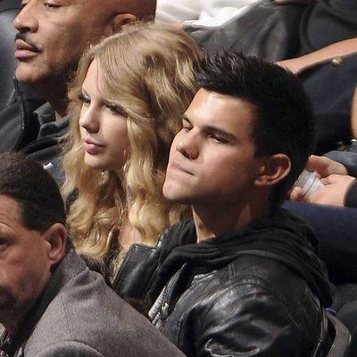 Taylor Swift and Taylor Lautner (August 2009 - December 2009)
