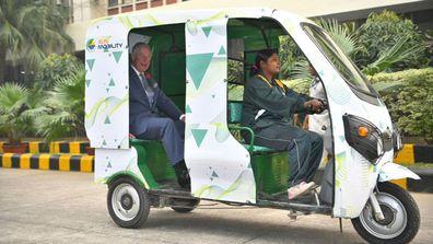 Prince Charles eco-rickshaw India 2
