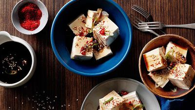 "<a href=""http://kitchen.nine.com.au/2016/05/16/11/54/cold-tofu-with-vinegar-garlic-and-soy"" target=""_top"">Cold tofu with vinegar, garlic and soy</a><br> <a href=""http://kitchen.nine.com.au/content/2016/06/07/01/24/served-cold-best-chilled-dishes"" target=""_top""><br> More dishes best served cold</a>"