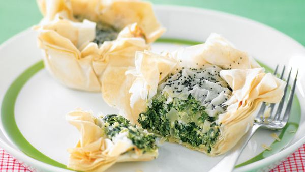 Mini spanakopita