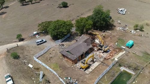 The last of 230 homes at the Badgerys Creek site was bulldozed today. (9NEWS)