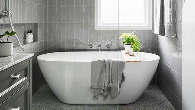 Freestanding bathtub ideas and inspiration for your bathroom renovation