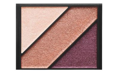 "<p>E! Style Awards 2017- Best Eye Shadow</p> <p><a href=""http://shop.davidjones.com.au/djs/en/davidjones/eyeshadow-trio-2719-600078--1"" target=""_blank"" draggable=""false"">Elizabeth Arden Eyeshadow Trio, $28</a></p> <p>A beautiful trio of three eye shadows that work together in perfect harmony, with a long-wear, crease-resistant formula in matte and metallic finishes.&nbsp;</p> <p>Celebrity Fans-Reese Witherspoon</p>"