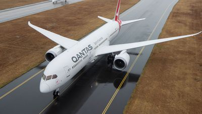 Inside the Qantas 787 Dreamliner's luxurious Business Class