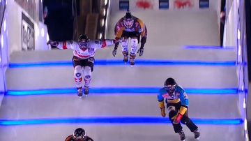 Lone Aussie braves 30m vertical drop for ice cross championships
