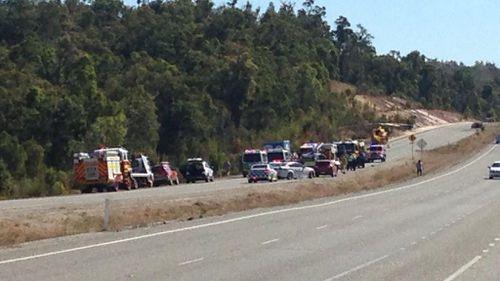 Eight children among injured in WA crash involving three vehicles