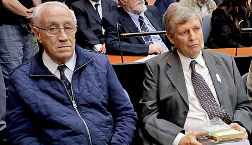 Jorge Eduardo Acosta, (left), a former Argentine navy captain, and Alfredo Astiz, second from left, a former navy spy nicknamed 'the Angel of Death'. (Photo:AP).