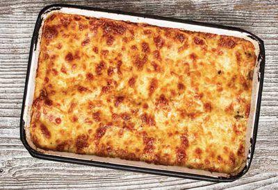 """Recipe: <a href=""""/recipes/ieggplant/9080934/pasta-al-forno-cheesy-eggplant-pasta-bake"""" target=""""_top"""">Pasta al forno (eggplant pasta bake)</a>"""